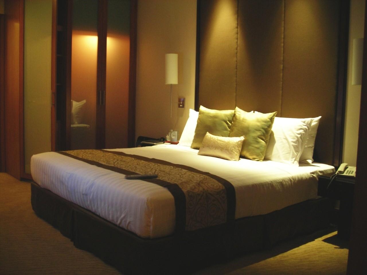 Łóżko tapicerowane do sypialni – zalety